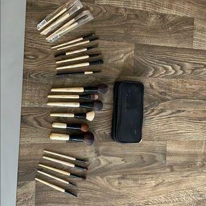 Bobbi Brown Makeup Brush Vault